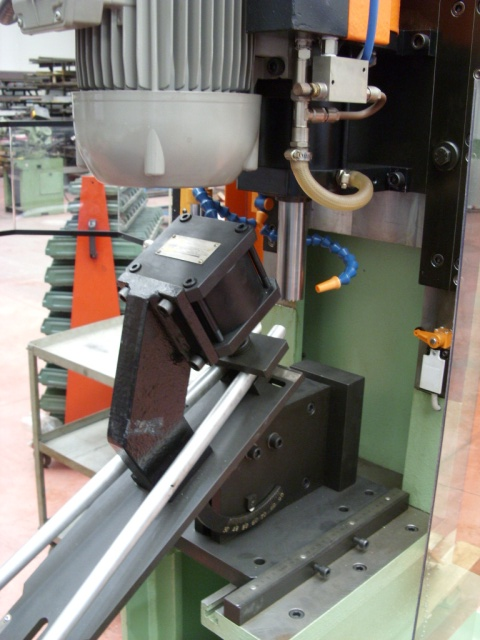 Seatstay mitreing using Marchetti's combined tube mitre machine ML 102/M with clamping fixture ML 314.