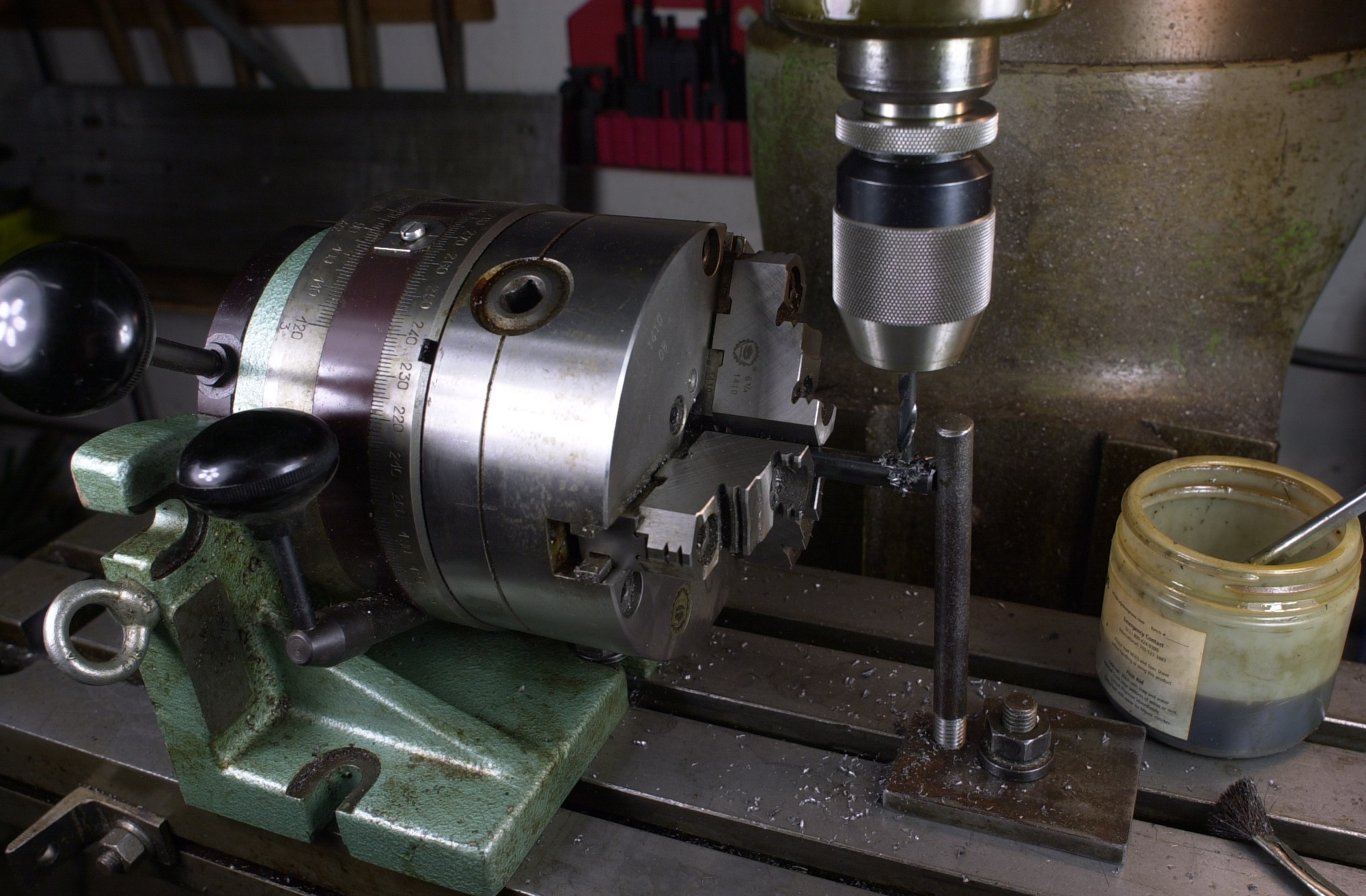 Modifications are underway to the LAN71 bottom bracket tapper to accommodate 68/73, 100 and 120mm wide bottom bracket shells.  The photo is the set screw hole drilling of the arbor rods for 68/73, 100 and 120mm length shells.  The rods can now be interchanged with the male arbor for different width bottom bracket shells.